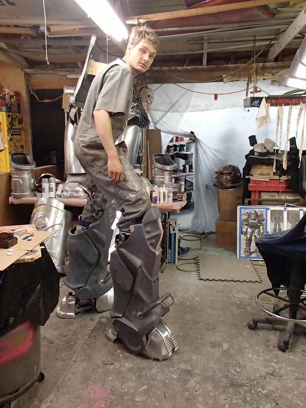 Freddy Tries on Stilts