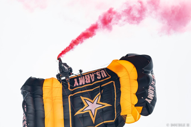 Iwakuni FD 2018 (59) U.S. Army Golden Knights