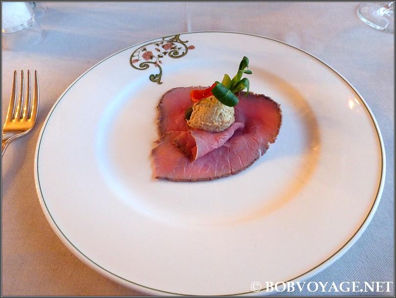 ויטלו טונטו ב- מסעדת Bovio ב- פיימונטה (Piedmont)