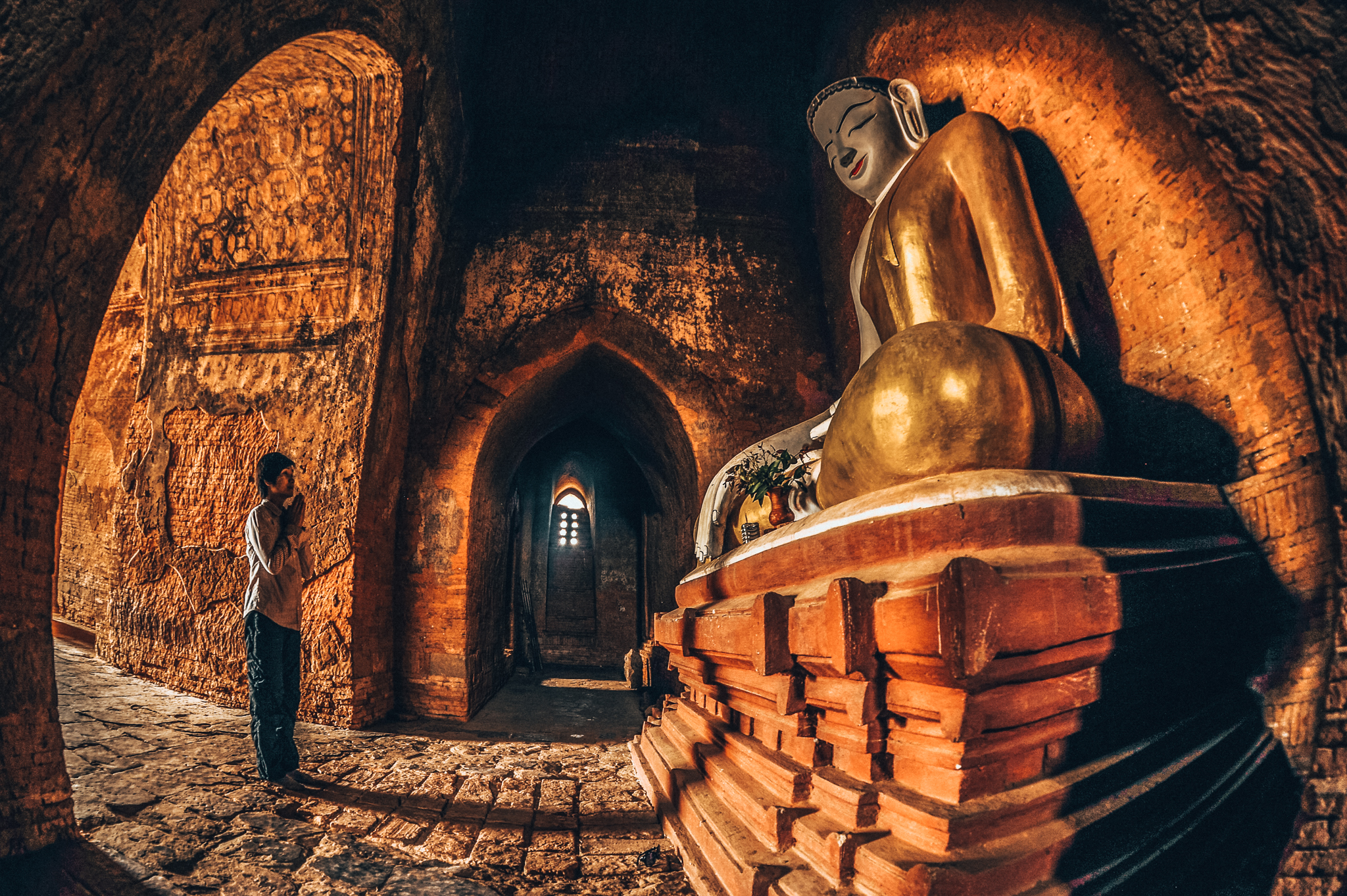 what to do in bagan - say a prayer