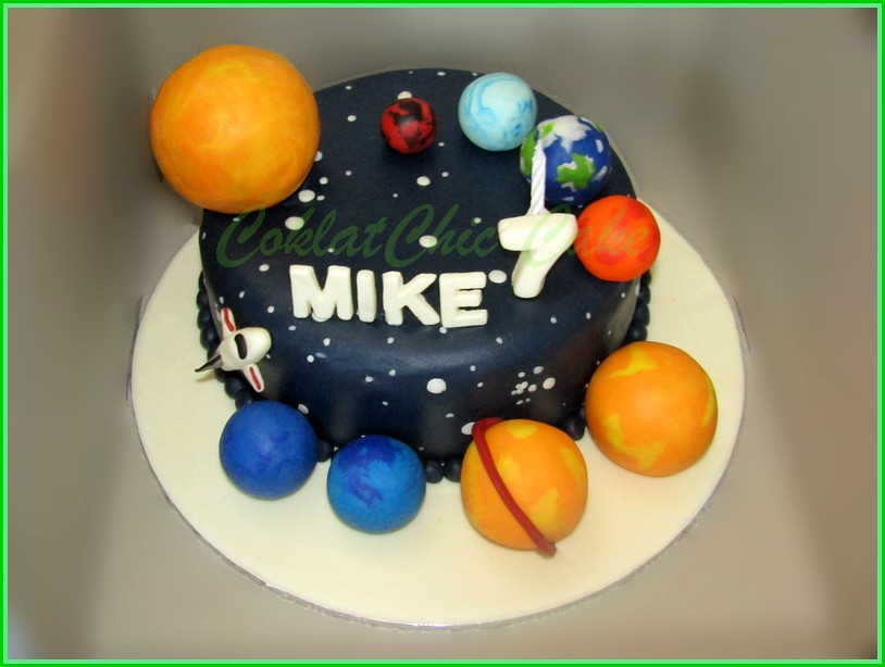 Cake Solar System MIKE 20 cm