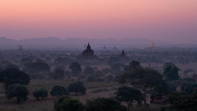 Bagan at dawn, Fujifilm X-E1, XF56mmF1.2 R