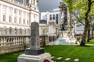 Korean War Memorial [Belfast City Hall]-140325