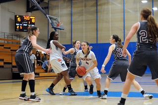 Women's basketball game in January 2014