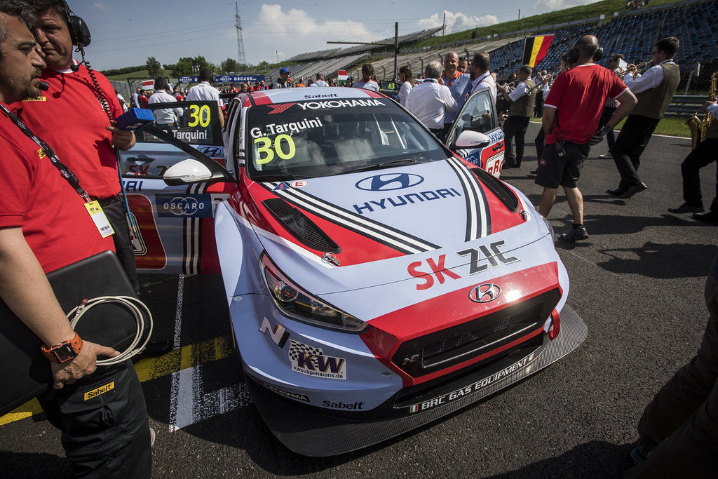 30 TARQUINI Gabriele (ITA), BRC Racing Team, Hyundai i30 N TCR, action grille de depart starting grid during the 2018 FIA WTCR World Touring Car cup, Race of Hungary at hungaroring, Budapest from april 27 to 29 - Photo Gregory Lenormand / DPPI