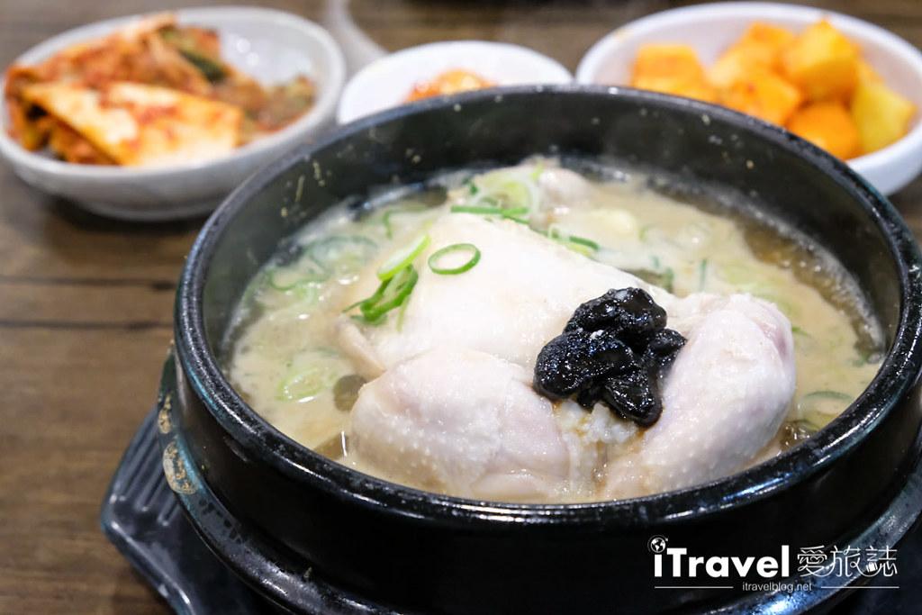 首尔美食餐厅 北村百年土种蔘鸡汤 (20)