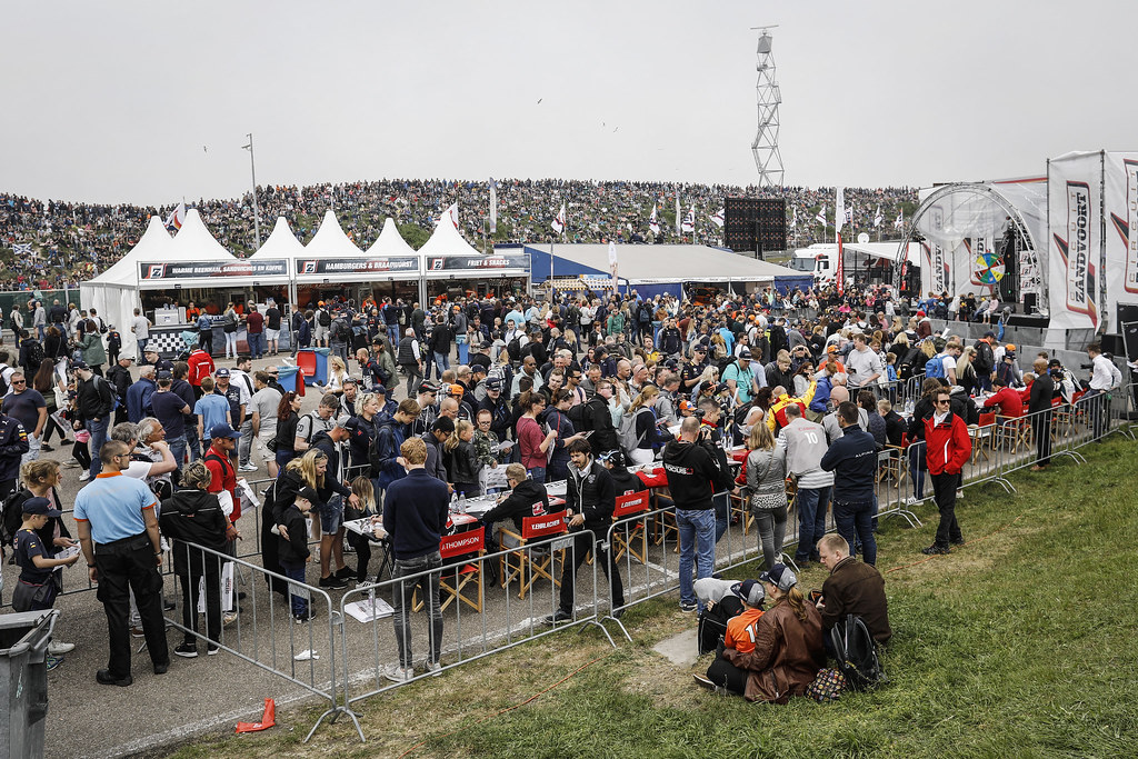 autograph session during the 2018 FIA WTCR World Touring Car cup of Zandvoort, Netherlands from May 19 to 21 - Photo Francois Flamand / DPPI