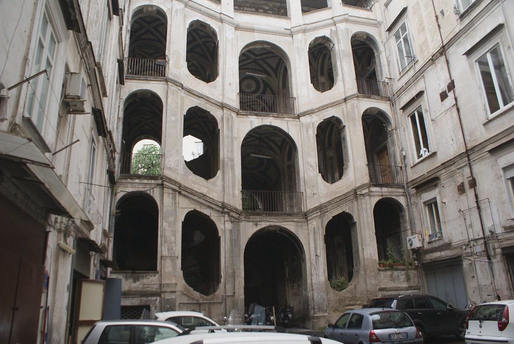 Palazzo Sanfelice dans la quartier de Sanita à Naples.