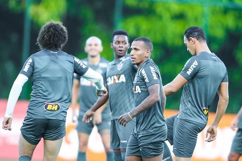 Atlético-MG segue treinando para enfrentar o Corinthians