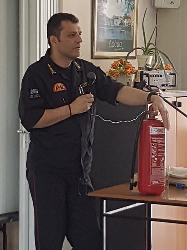 Ενημέρωση Πυροσβεστικής για Μέτρα Πυρασφάλειας στο ΚΑΠΗ Ξηροποτάμου - 04-05-2018