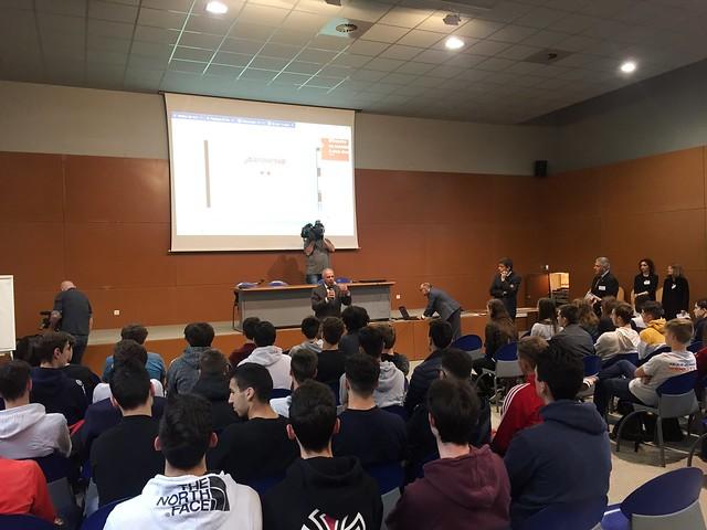Parcoursup: temps d'accueil et d'accompagnement pour les terminales du lycée Descartes de Saint-Genis-Laval après les premiers résultats d'admission
