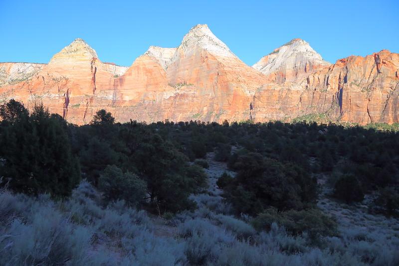 IMG_3283 Navajo Sandstone Peaks from Sand Bench Trail