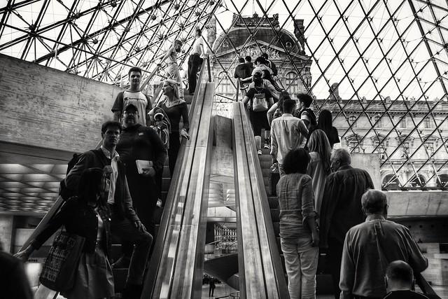 Human Louvre pyramid