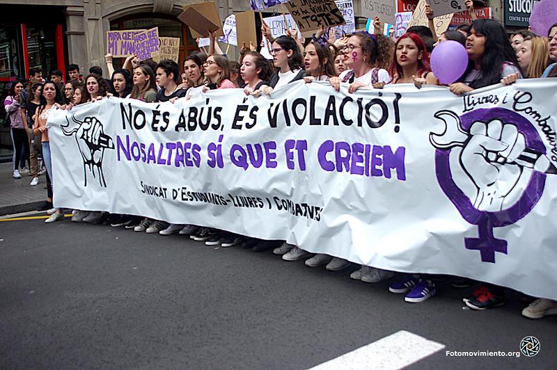 2018_05_10- Concentración y Manifestación por la sentencia de la manada-Manuel Roldán _01