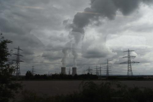 20100902 190 Jakobus Heimfahrt Kraftwerk Strommast Rauch Wolken
