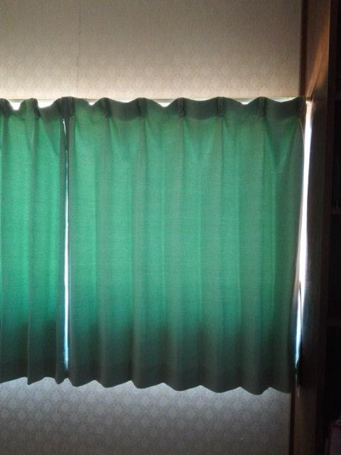 二級遮光カーテン