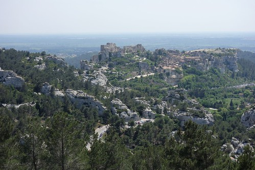 Walking from Saint-Rémy-de-Provence to Les Baux-de-Provence, France