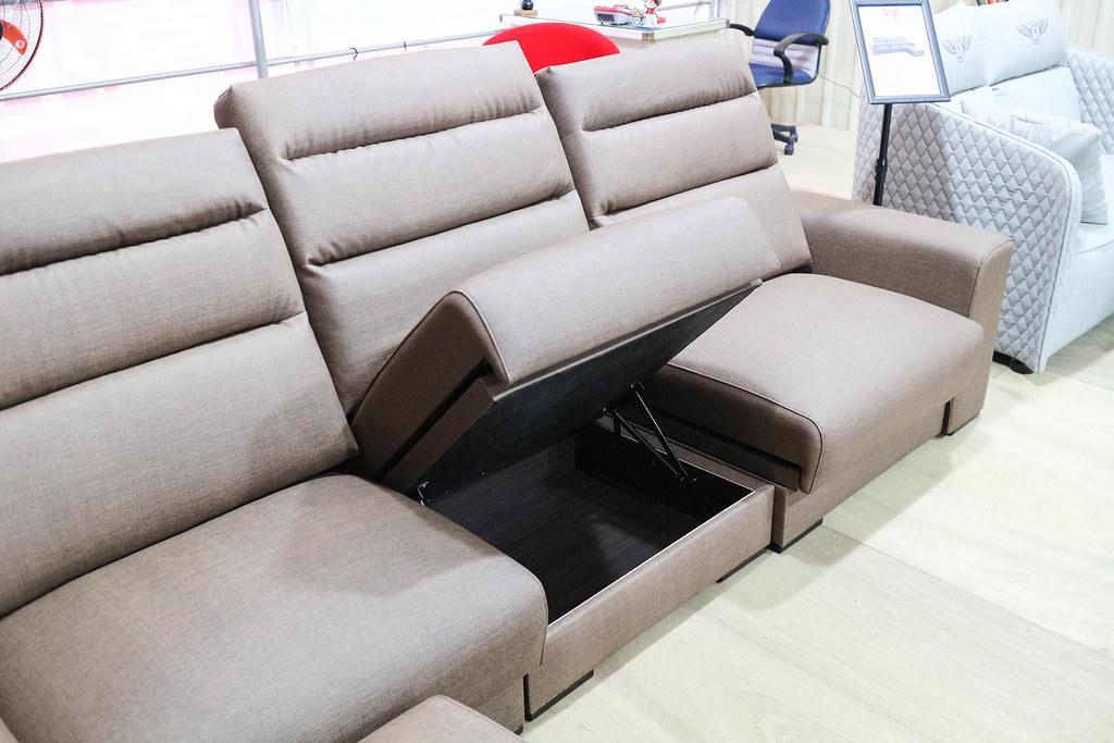享坐沙發 (60)