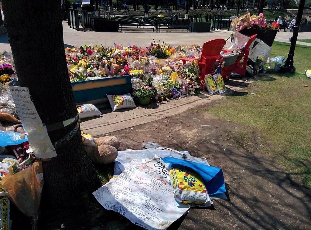 Memorial (5) #toronto #northyork #mellastmansquare #yongeandstrong  #inmemoriam