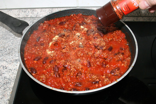 24 - Köcheln lassen & mit Gewürzen abschmecken / Let simmer & taste with seasonings