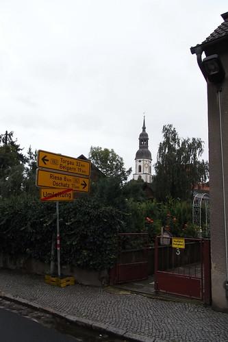 20100828 008 0108 Jakobus Strehla Schule Kirche Turm Hinweisschilder