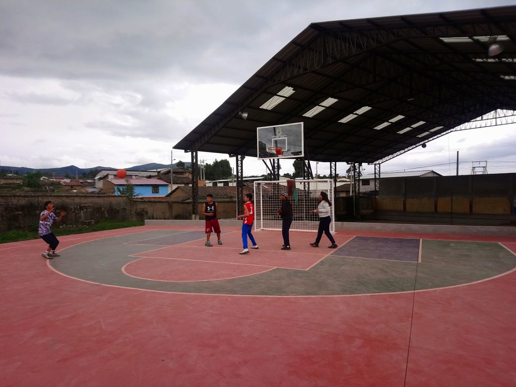 Parroquia San Isidro celebra la apertura del polideportivo