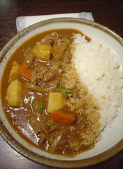 gulai(0.0), stew(1.0), curry(1.0), steamed rice(1.0), japanese curry(1.0), food(1.0), dish(1.0), soup(1.0), cuisine(1.0),