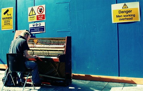 Pianist On Site