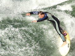 waterskiing(0.0), canoe slalom(0.0), wakesurfing(1.0), surface water sports(1.0), boardsport(1.0), sports(1.0), surfing(1.0), extreme sport(1.0), water sport(1.0),