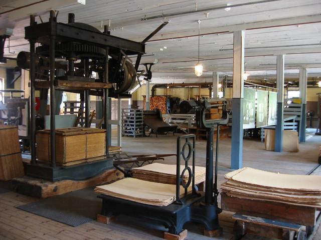 Máquinas para producir cartón