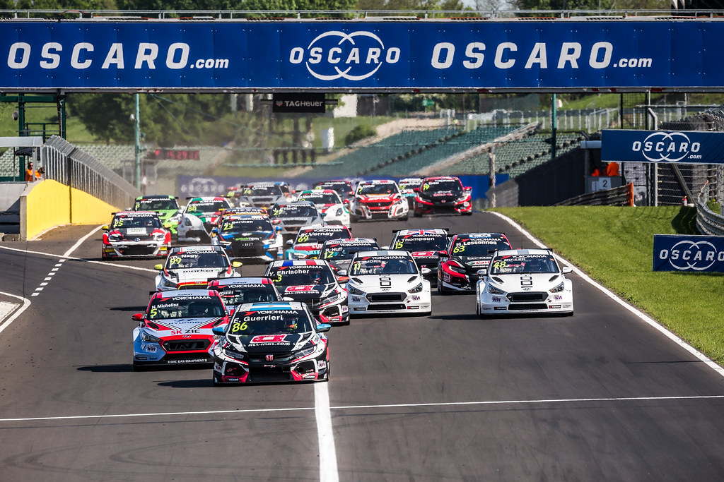 WTCR Race Start during the 2018 FIA WTCR World Touring Car cup, Race of Hungary at hungaroring, Budapest from april 27 to 29 - Photo Thomas Fenetre / DPPI