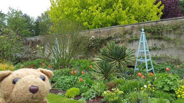 9 Walled Garden