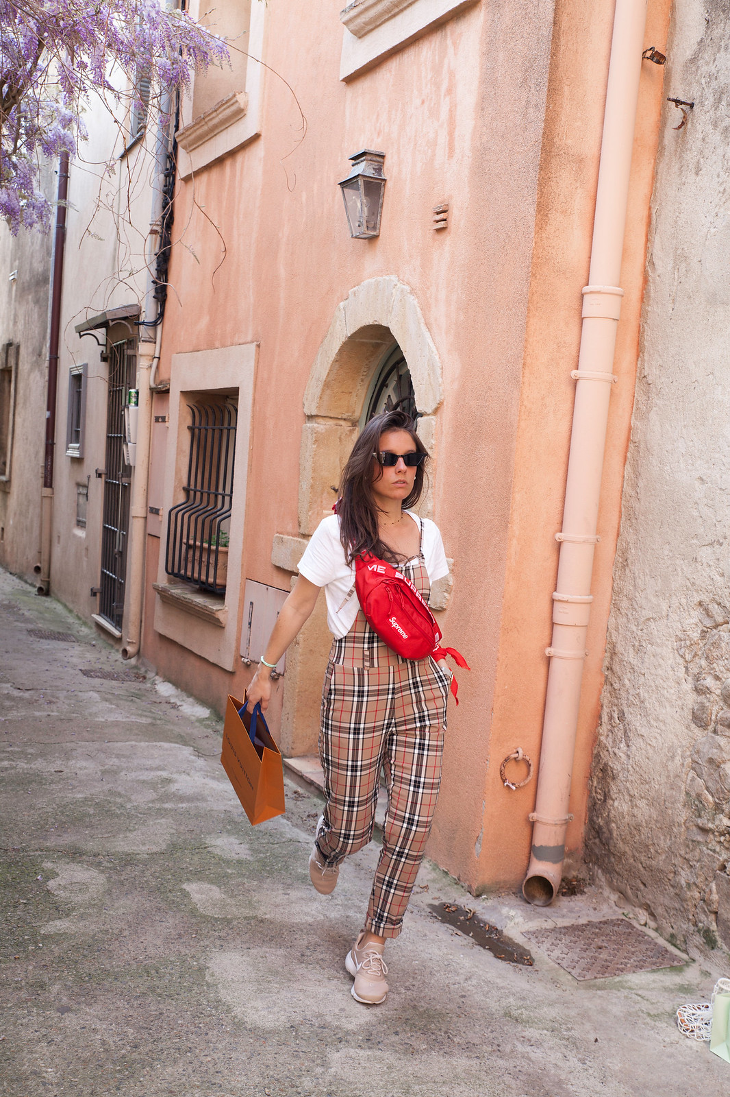 07_BURBERRY_OVERALL_TRICIRCULO_INFLUENCER_THEGUESTGIRL_LAURA_SANTOLARIA