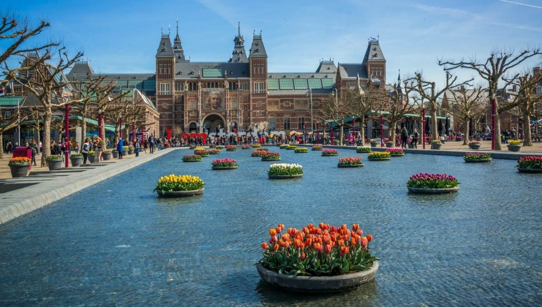 Amsterdam travel guide for first-time visitors - Best Places to Visit in Europe - planningforeurope.com (1)