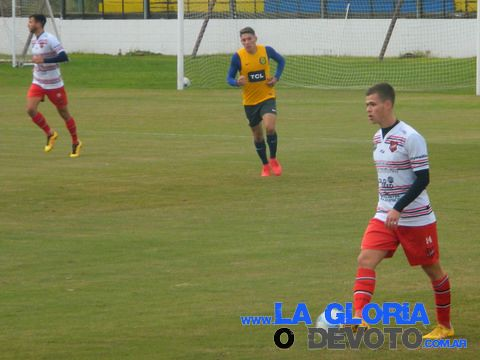 Douglas amistoso vs Reserva de Central 16/05/2018