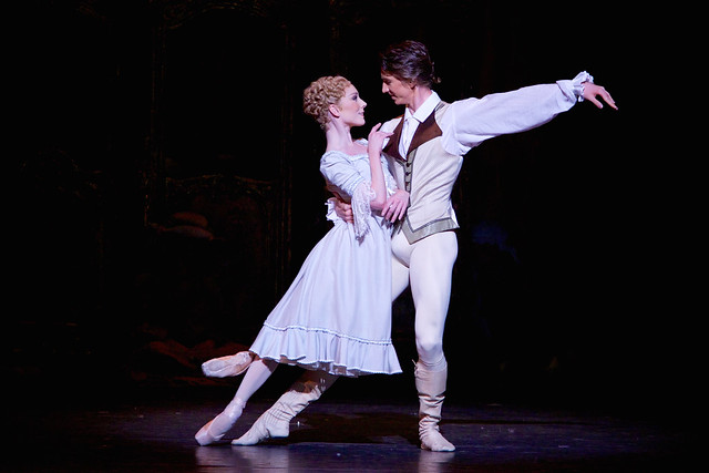Sarah Lamb and Vadim Muntagirov in Manon © ROH 2014. Photographed by Alice Pennefather
