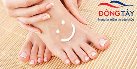 Giữ ẩm da là biện pháp gián tiếp giúp giảm nguy cơ hình thành vết thương do cọ xát