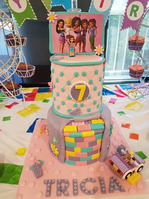 LEGO Friends Cake by Jessica De leon of Jessicakes