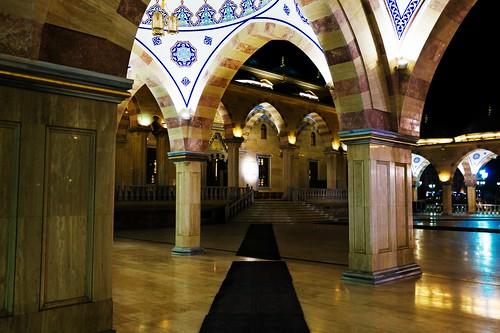 грозный мечеть чечня ночь огни двор ступени вход сердцечечни