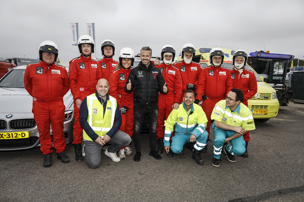 MONTEIRO Tiago (POR) Boutsen Ginion Racing, Honda Civic TCR, portrait with medical staff during the 2018 FIA WTCR World Touring Car cup of Zandvoort, Netherlands from May 19 to 21 - Photo Francois Flamand / DPPI