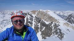 Maciek na szczycie Piz Malenco 3400m. W tle Piz Tremoggia 3441m.
