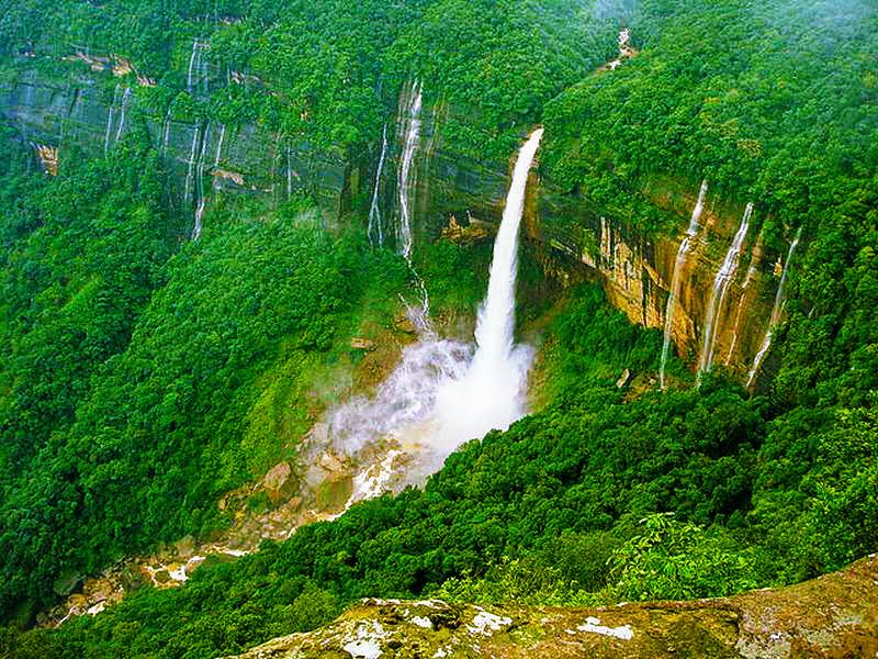 Nohkalikai Waterfalls - Famous Tourist Spots in Cherrapunji