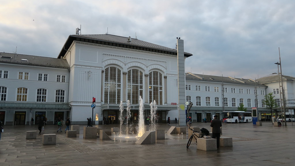 【2018奧地利自由行】薩爾斯堡火車總站A&O酒店-離火車站5分鐘,交通便利比鄰購物中心
