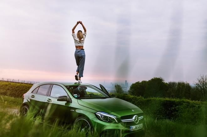 「She's Mercedes」以女性分享圈為主要概念,鼓勵新世代女性透過經驗交流及觀點交換,互相學習影響並扶持成長