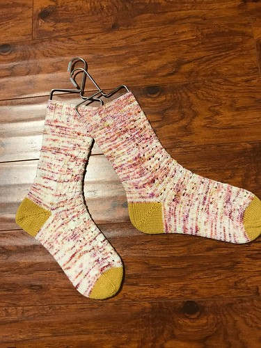 Nicole finished this pair if socks too knit with Manos Alegria in colour Caracas as her main colour!