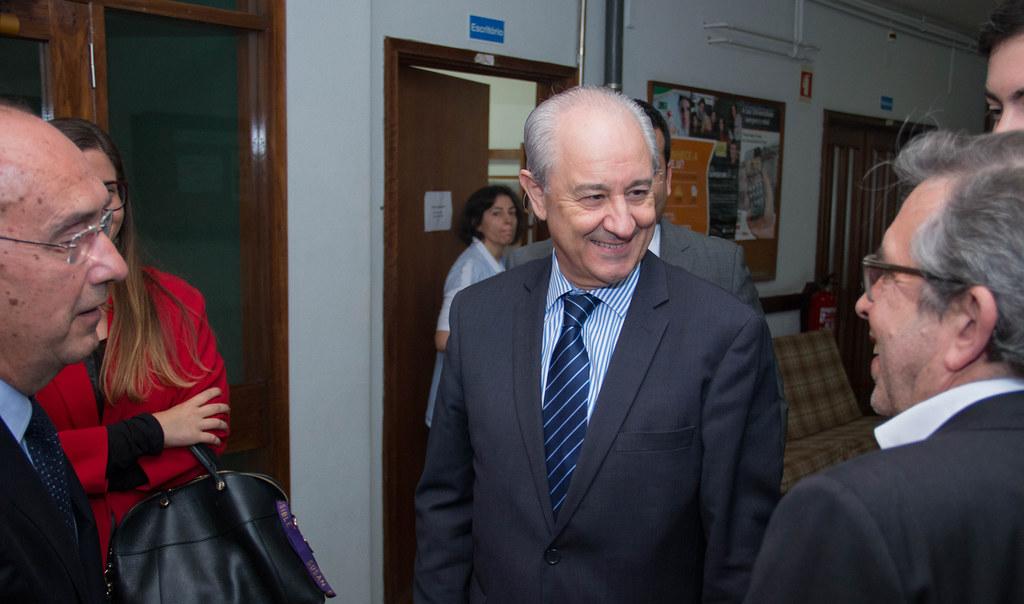 Rui Rio em visita a residências, no Porto