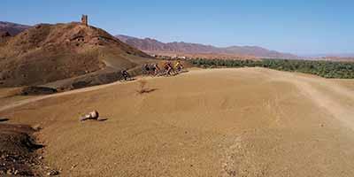 3 Biker in der Wüste Marokkos