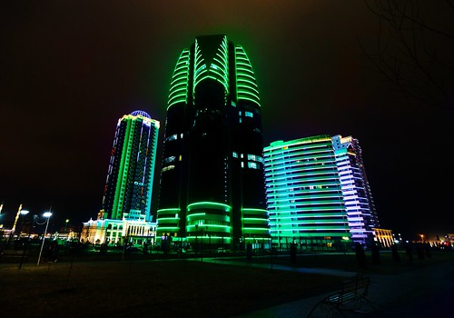 грозный грозныйсити чечня ночь огни высотки небоскреб фонари улица