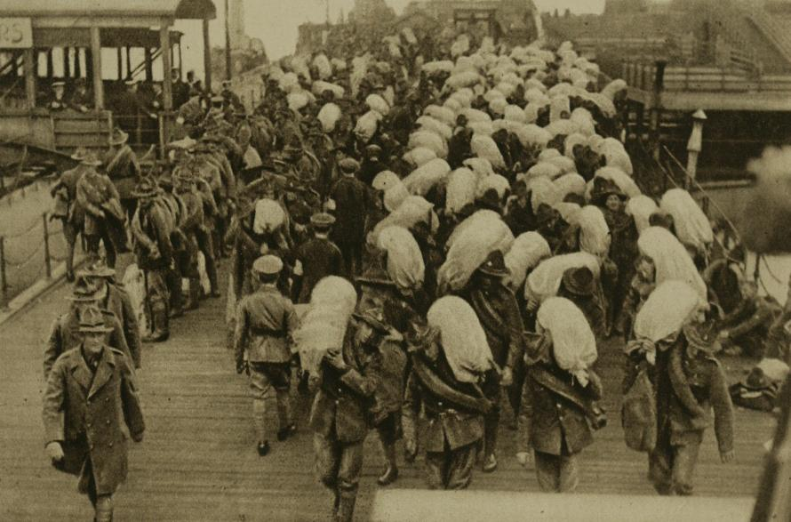New Zealand troops departing from a port in France, 1918.