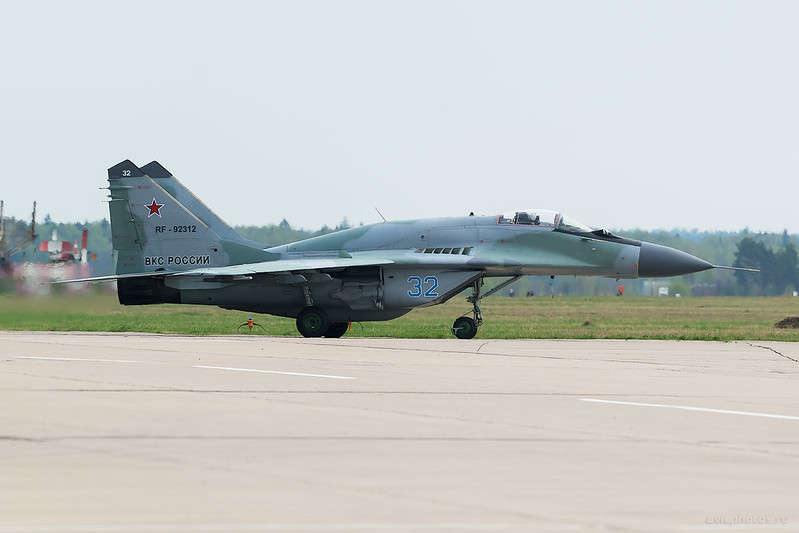 Mikoyan-Gurevich_MiG-29SMT_RF-92312_32blue_032_D808318